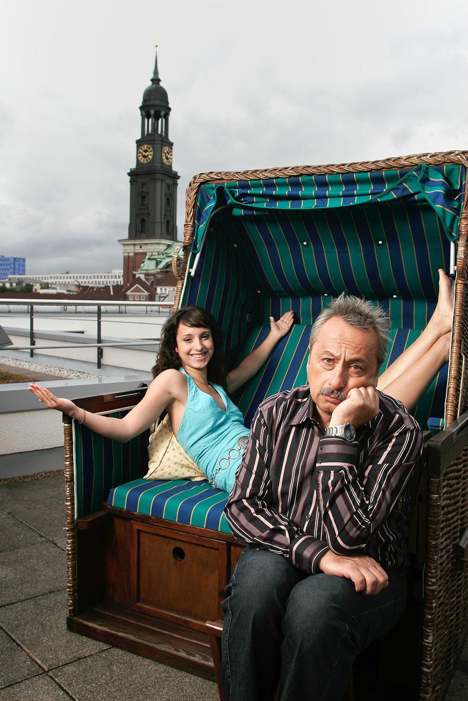 Wolfgang und Stephanie Stumph im Strandkorb auf Dachterasse © Hermann Jansen