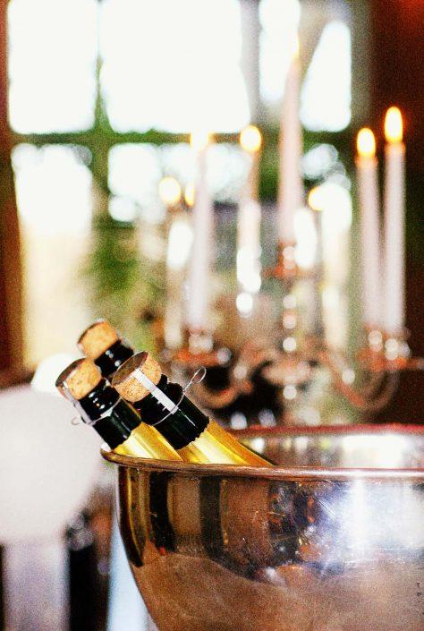 Champagner im Kühler Symbolbild Veanstaltungen Fotos © Hermann Jansen