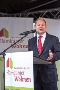 Fest in der Linse Eimsbüttel Olaf Scholz hält Rede für die Baugenossenschaft Hamburger Wohnen © Hermann Jansen